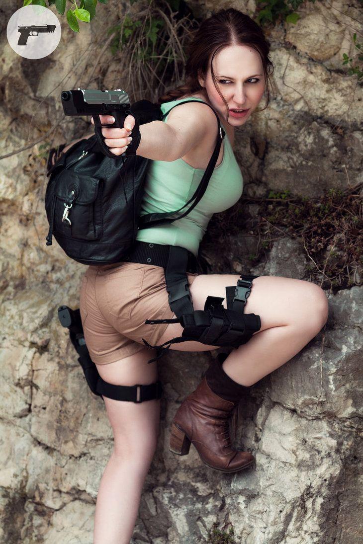 Lara croft blowjob cosplay