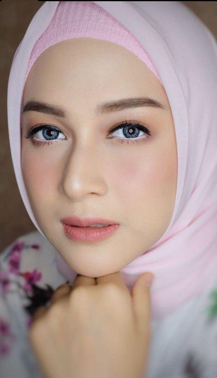 foto hijab cantik | Kecantikan, Jilbab cantik, Wanita