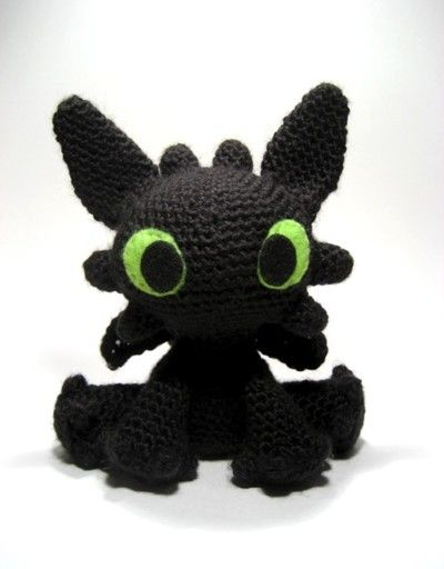 Night Fury   knitted and crocheted toys   Pinterest   Night fury ...