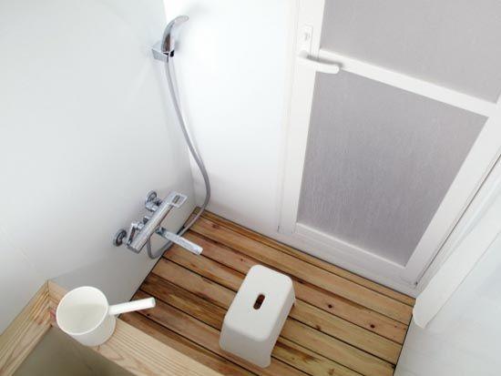 Modern Japanese bathroom | Japanese bathroom, Japanese ...