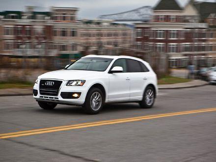 Four Seasons Introduction 2010 Audi Q5 3 2 November 2009 Audi Q5 Best Interior Design Websites Dream Cars