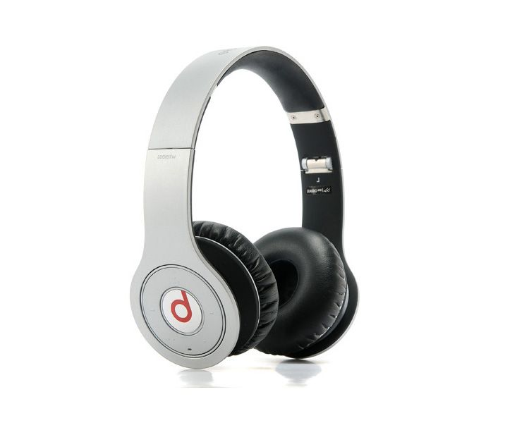 Beats by Dr. Dre Studio Wireless Over Ear Headphones Titan