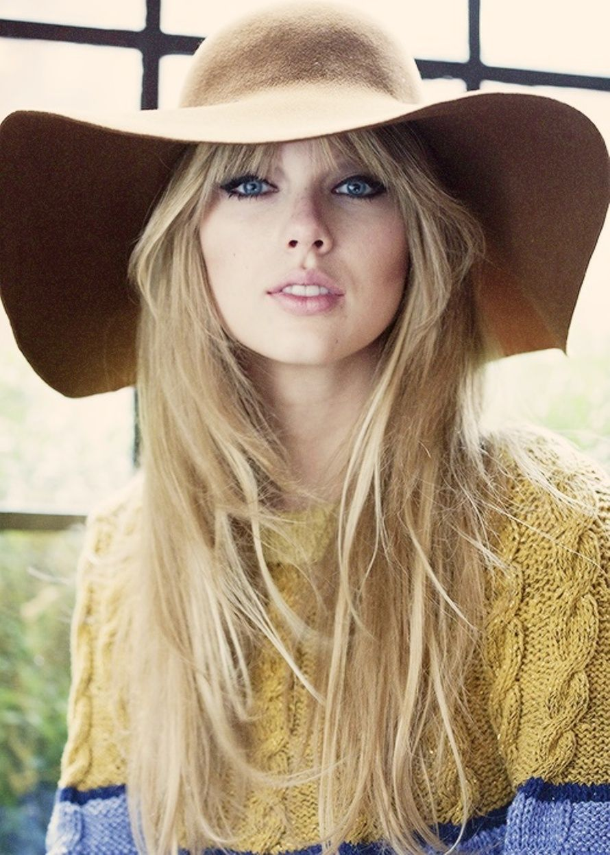 Celeb taylor swift hairstyles for long hairg 8901246 celeb taylor swift hairstyles for long hair urmus Images