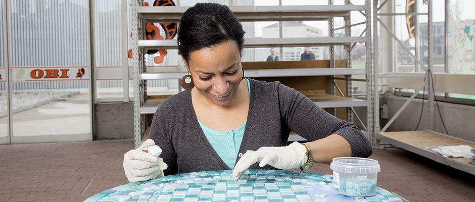 Customiser une table avec de la mosaïque. | Bricolage, jardinage ...