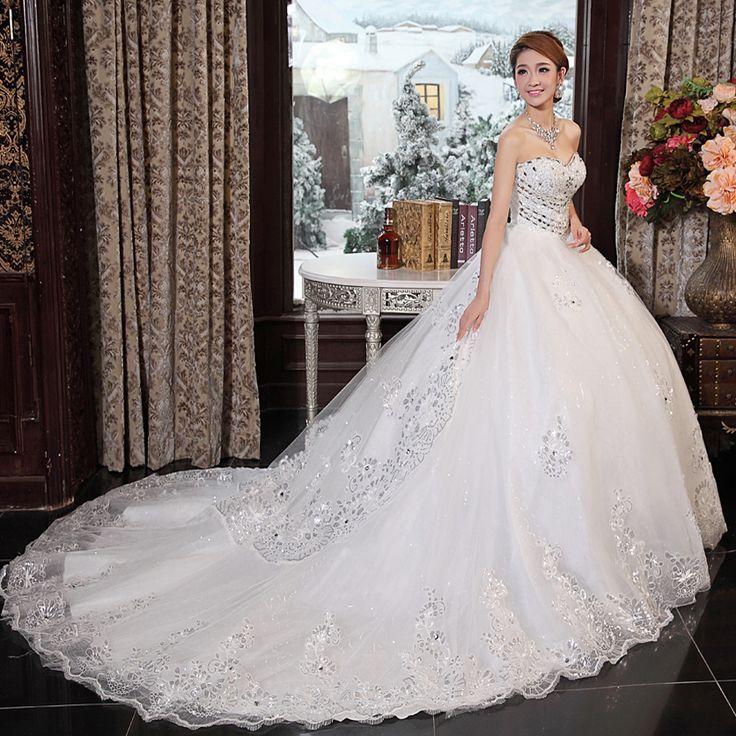 resultado de imagen para vestidos de novia corte princesa con cola
