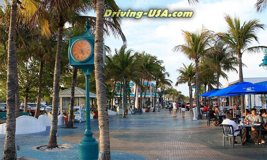 Time Square Ping Restaurants At Fort Myers Beach Can T Wait To Go
