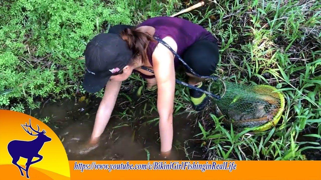 Catching Big Eel Fish With Survival Skills اصطياد سمكة ثعبان البحر Fishing Girls Real Life Nice To Meet