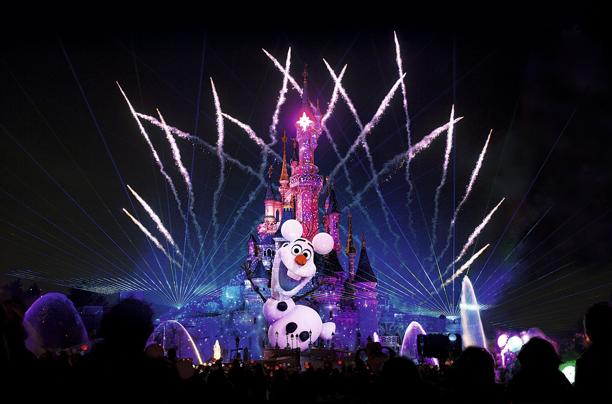 Frozen Summer Fun at Disneyland Paris Disney Dreams Fireworks Display