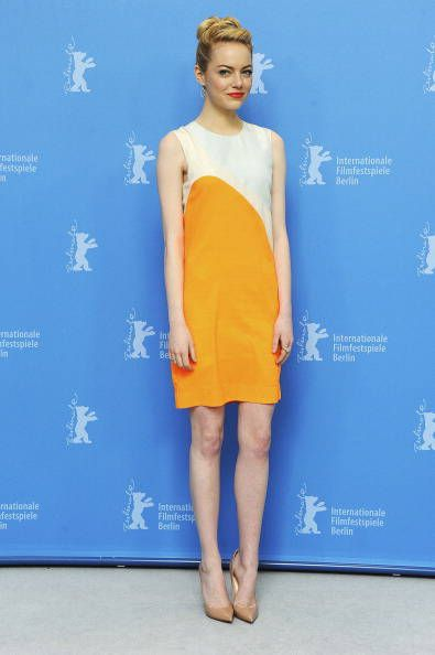 Emma Stone in abito con stampa geometrica