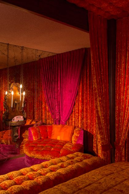 Tv plumber   palm springs home wrapped in red orange velvet decorvintage also best          images decor  rh pinterest