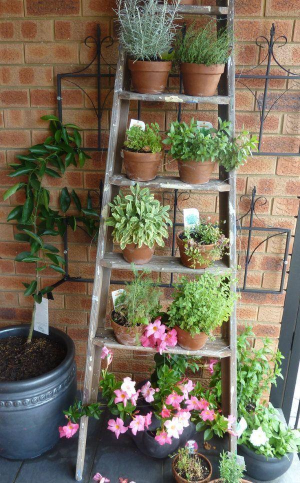Inspiration für Balkon, Hof und kleine Gartenanlagen. - #Balkon #forsmallspaces...