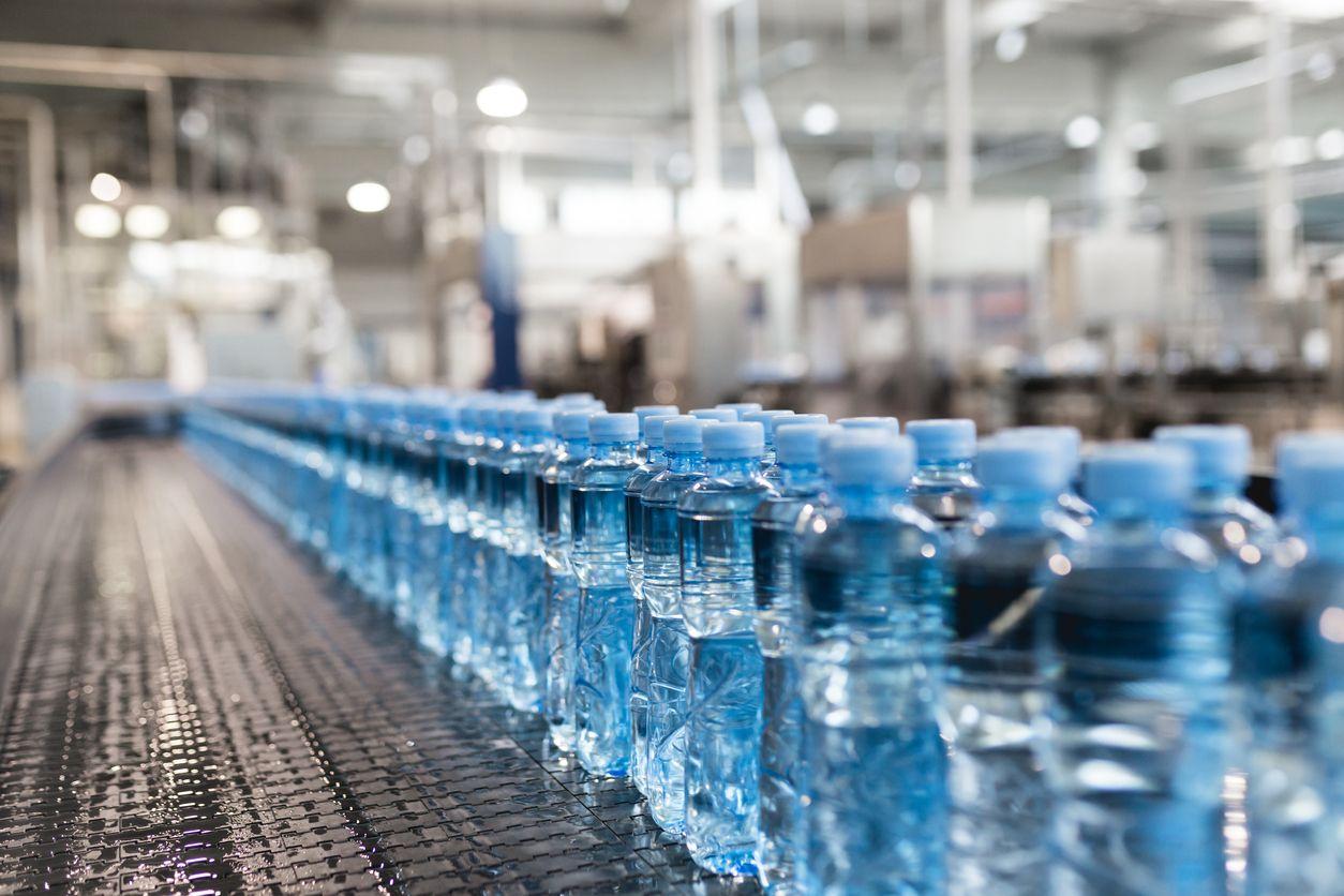 SUSTENTANDO - Informando e conscientizando: Mundo está usando quase 500 bilhões de garrafas pl...