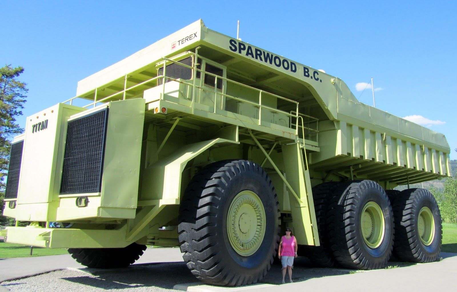 Biggest Dump Truck In The World With Images Trucks Dump