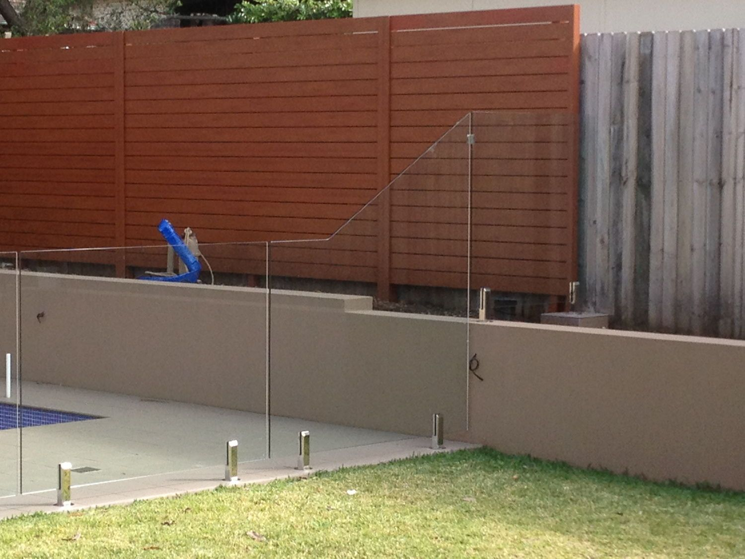 Custom Raked Glass Pool Fence Panels Sydwest Fencing Glass Pool Fencing Pool Fence Fence Panels