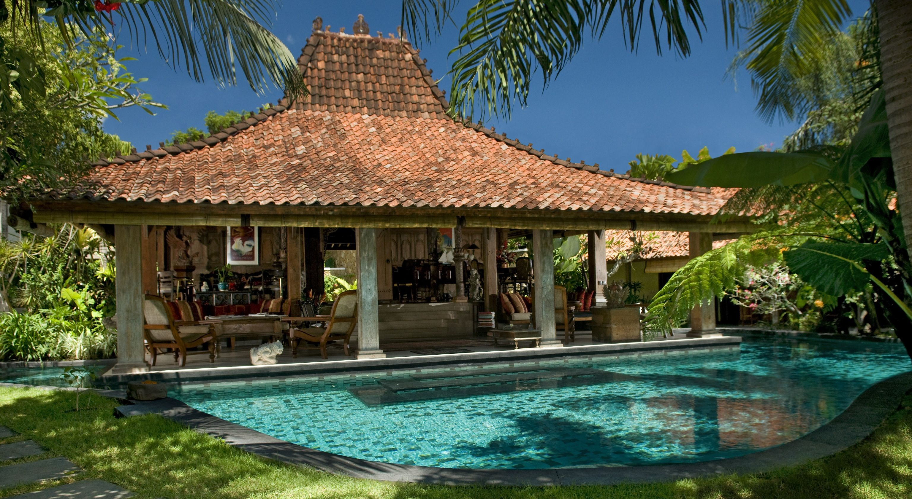 Bali inspired decorating for your home tropical bali for Pool design bali