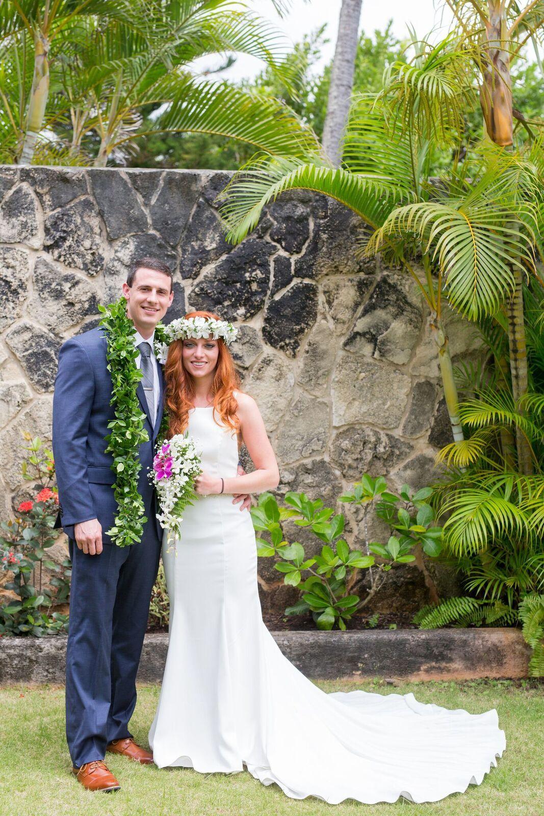 For Your Hawaii Wedding Islander Weddings In Honolulu Hawaii Offers All Inclusive Affordab Hawaii Beach Wedding Beach Wedding Packages Hawaii Wedding Packages