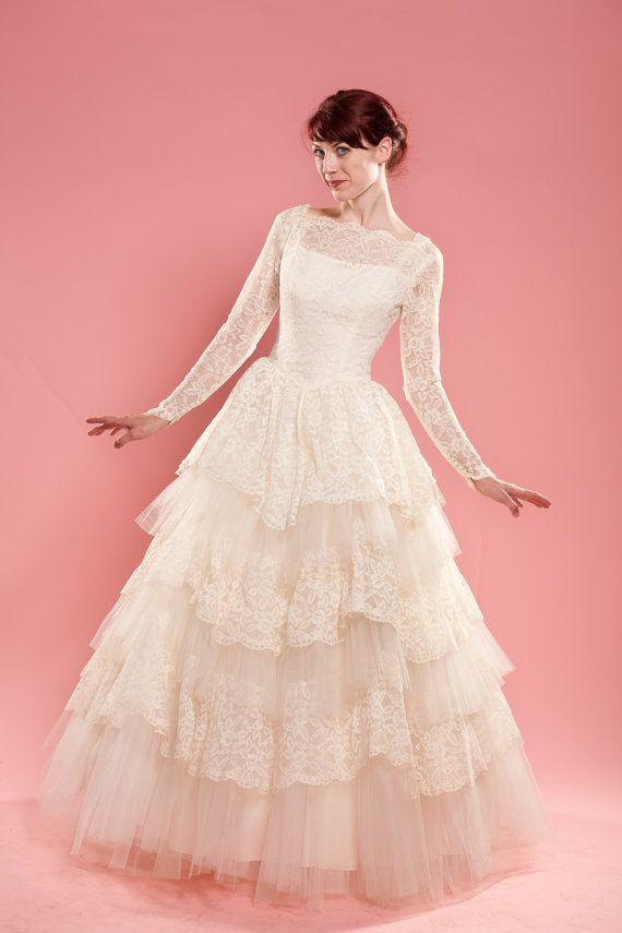 Vintage 1950s Lace Wedding Dress Cupcake Tulle Ruffles 1960s Bridal ...
