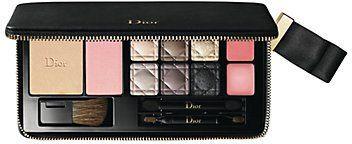 Pin for Later: 30 Palettes de Maquillage Qui Feront Plaisir à Toutes Les Beauty Addicts  DIOR Couture Palette (87€)