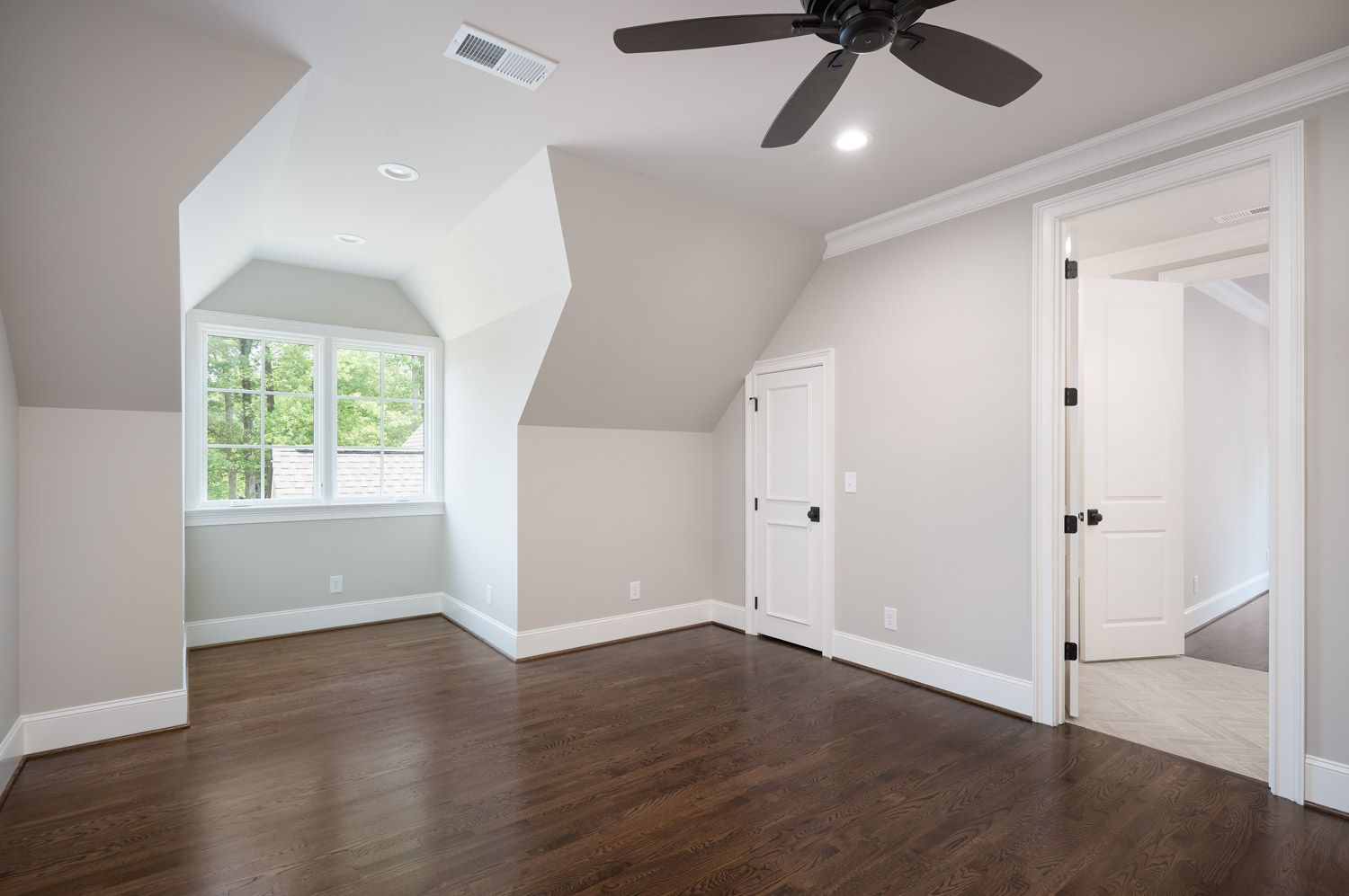 Pin By Katie Copp On For The Home In 2020 Grey Walls White Trim