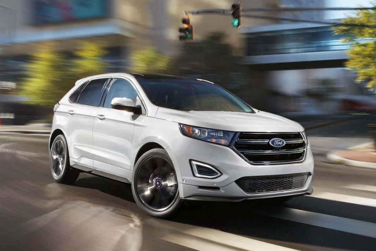 The 2018 Ford Edge Looks Great Coming Or Going With Its Sleek