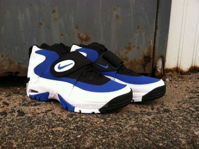 cd699f82a8 Nike Air Mission Junior Seau's   Sneakers in 2019   Nike, Sneakers ...