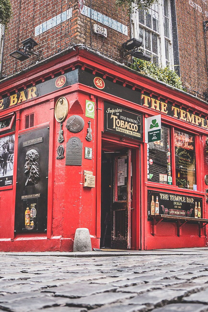 Eight reasons why irish pubs are irelands top attraction