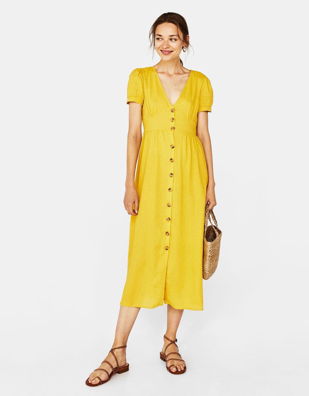 996619305 Vestido largo con botones. Descubre ésta y muchas otras prendas en Bershka  con nuevos productos cada semana