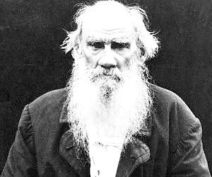 León Tolstói sobre cómo el Estado nos enajena (y cómo liberarnos de su influencia)