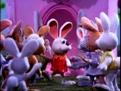 Here Comes Peter Cottontail - YouTube