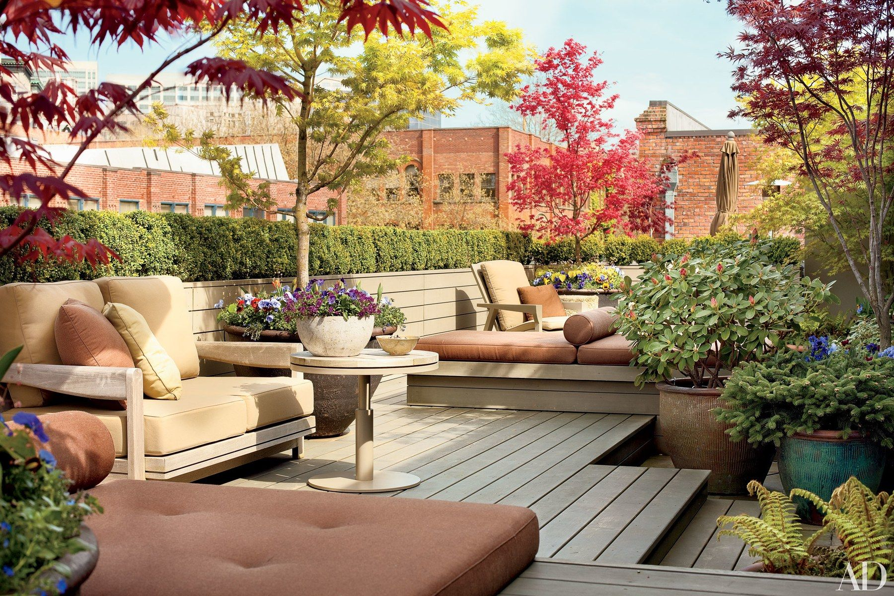 The Rooftop Terrace Of Designer Terry Hunzikeru0027s Seattle Apartment Is  Frequently Used For Entertaining.