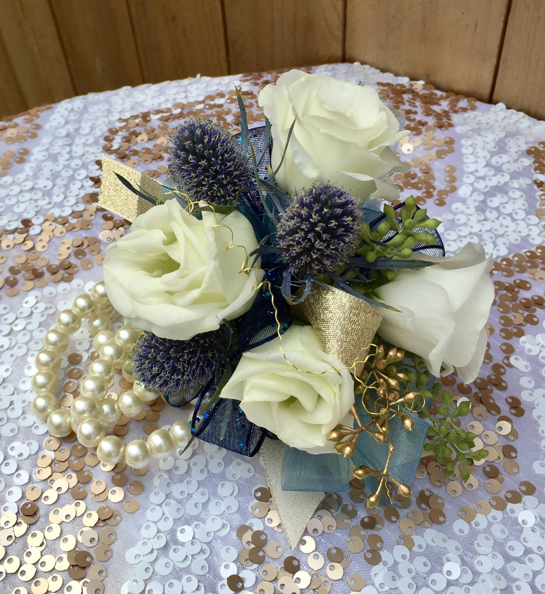 white blue and gold prom flowers, wrist corsage, prom ideas, prom