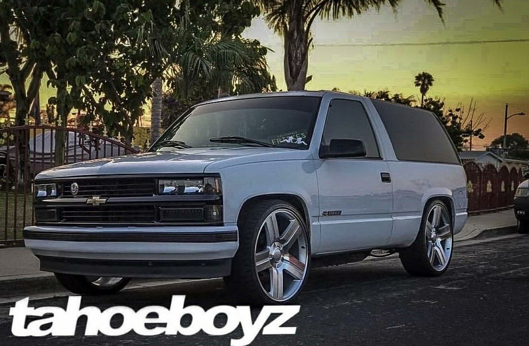 Pin By Michael Hathaway On Chevy Trucks 1988 1999 Obs 2wd Chevy Tahoe Suv Trucks 2 Door Tahoe