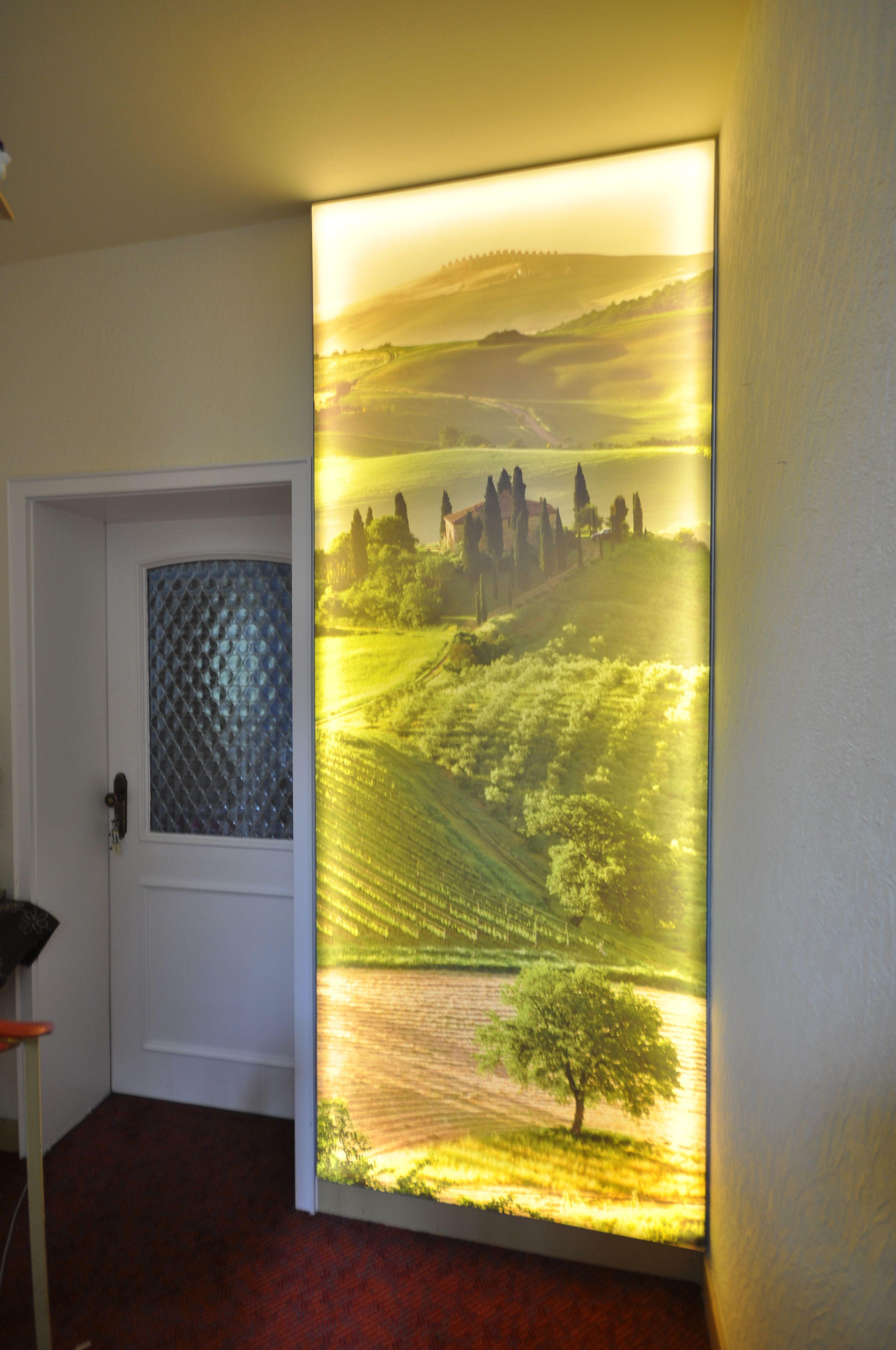 Bedruckte Spanndecke Als Lichtwand Im Flur Flur Decke Toskana Beleuchtung Licht Renovieren Led Treppe Lichtwande Flurbeleuchtung Spanndecken