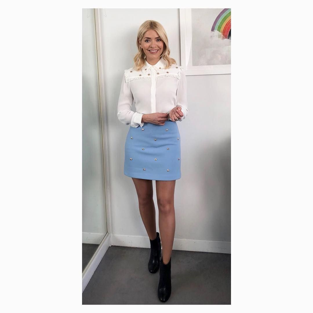 "ec1603824ce Holly Willoughby on Instagram  ""Morning Monday.... start of feb and a brand  new week here on  thismorning ... Willoughby-bee 🐝 skirt and shirt by ..."