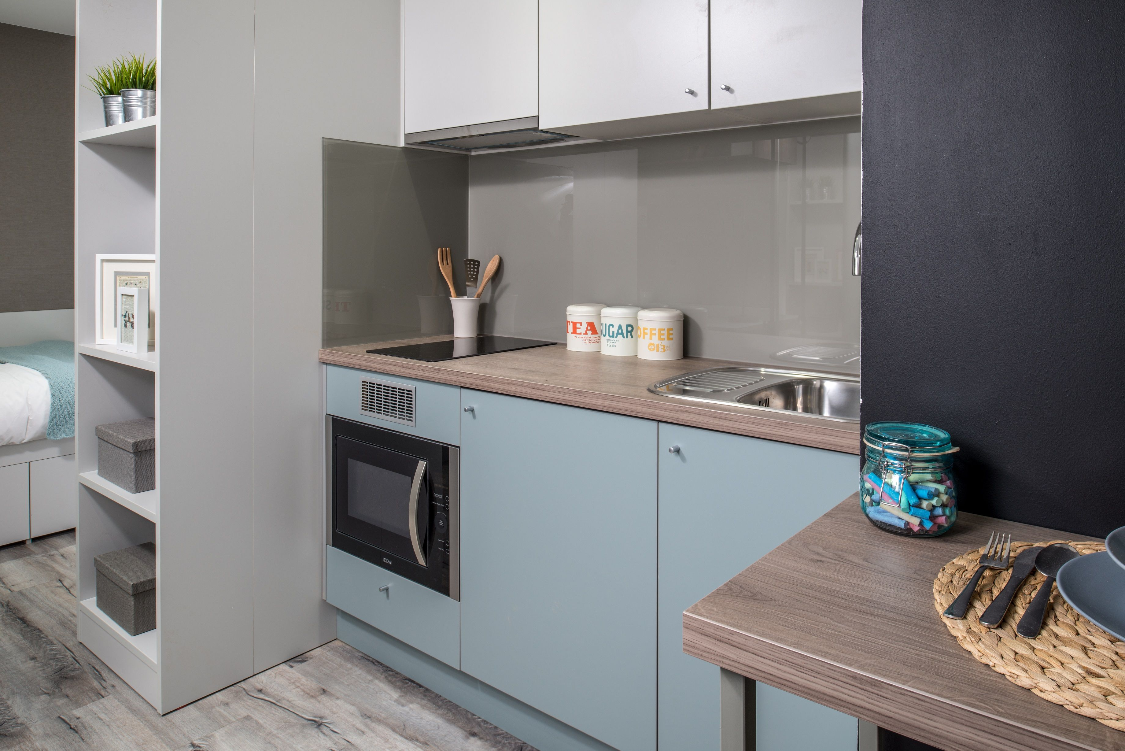 In the kitchen area U636 ST9 Fjord Green (https://www.egger.com/shop ...