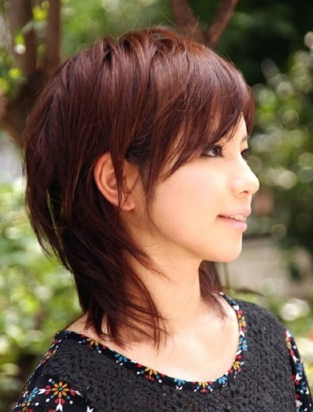 Asian girl with shoulder length hairstyles women medium haircuts