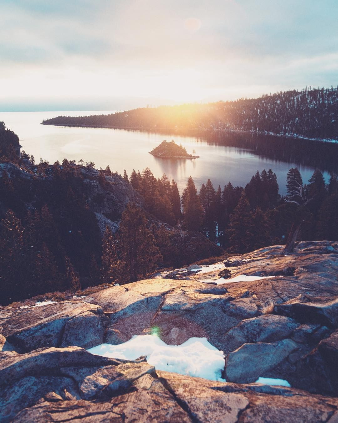 Great View From Emerald Bay In The South Part Of Lake Tahoe California Tahoe Hosts Multiple Resorts All Around Its Coast Enjoyab South Lake Tahoe Tahoe Travel