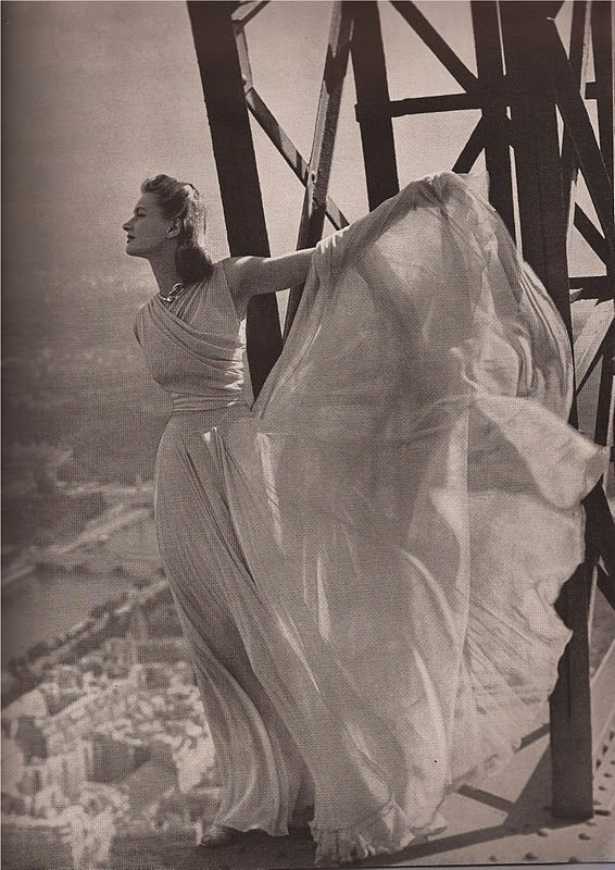 Molyneaux's pale gray chiffon  Bazaar September 1939