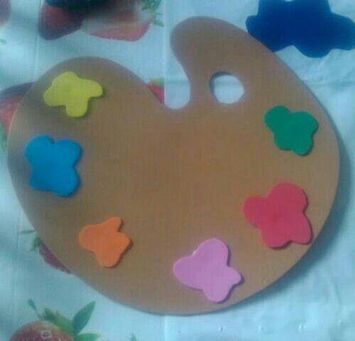 Paleta de colores en goma eva