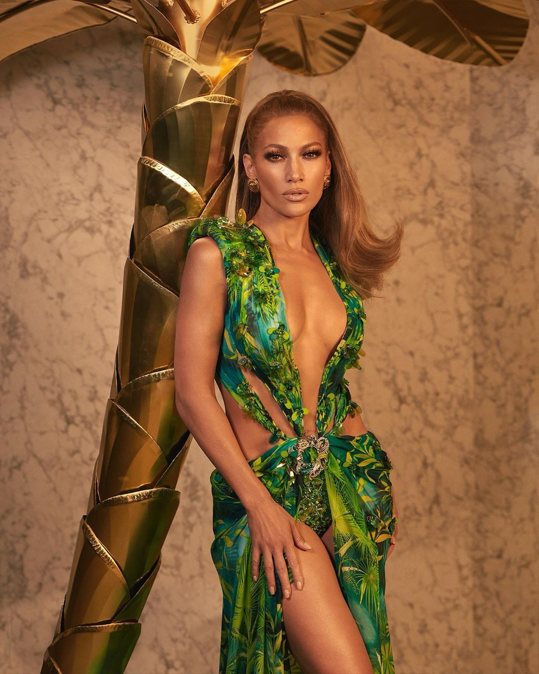 I M So Obsessed With This Thank You Jlo Versace Donatella Versace Gregswalesart Colorwowhair Glamse Fashion Jennifer Lopez Dress Jlo Green Dress [ 1350 x 1080 Pixel ]