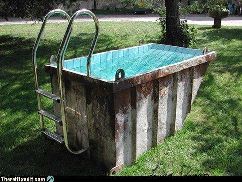 Maak van een afvalcontainer een prive zwembad afval