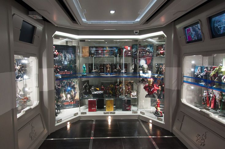 Hot Toys Iron Man Display Cabinet Hot Toys Hong Kong