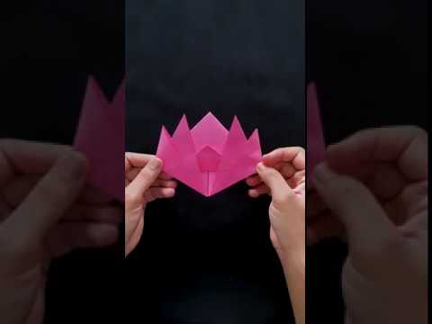Photo of Step-by-step instructions for folding a lotus