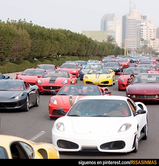 Un Día Cualquiera En Dubai Dubai Car Memes Traffic Jam