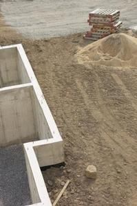 How To Prevent Water From Seeping Through Retaining Walls
