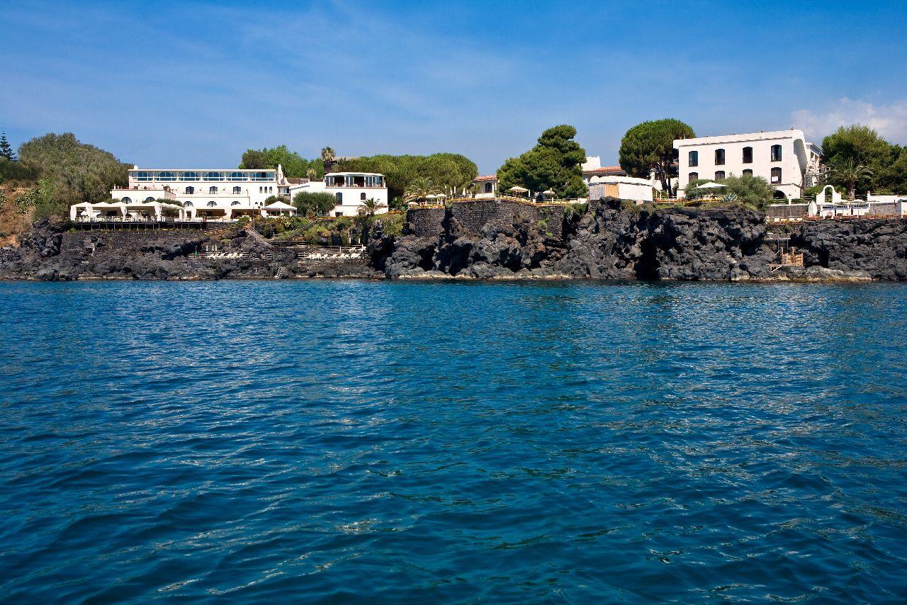 Il Nostro Hotel A Catania Visto Dal Mare Con Immagini Hotel