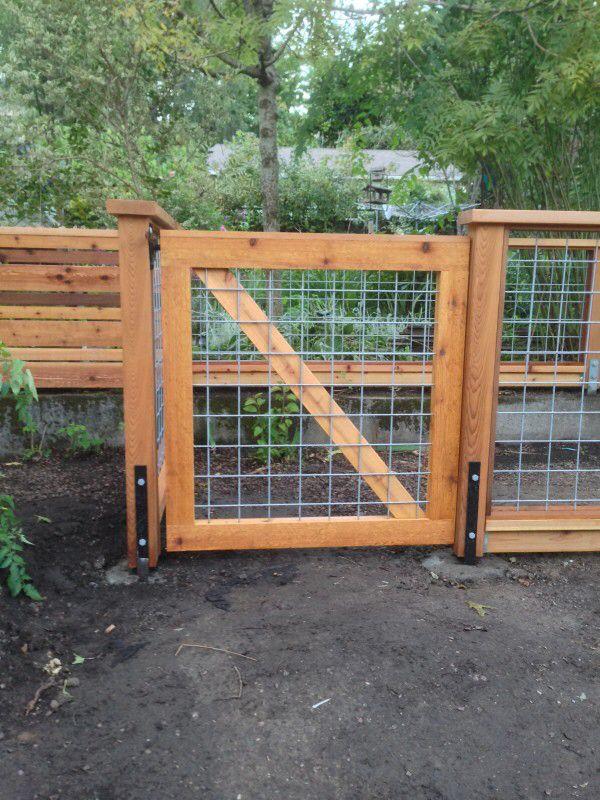 Hog Panel Fence Gate Cedar Gate Fence Design Front Yard Fence