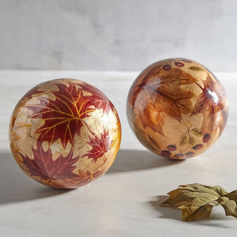 Create Unique Centerpieces And Tablescapes With Our Decorative Spheres Mix And Match Fill Bowls Or Clear Glass Vases And Decorative Spheres Decor Glass Decor