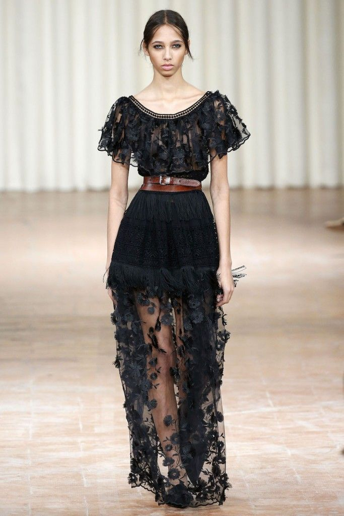 Alberta Ferretti, P-E 17 - L'officiel de la mode