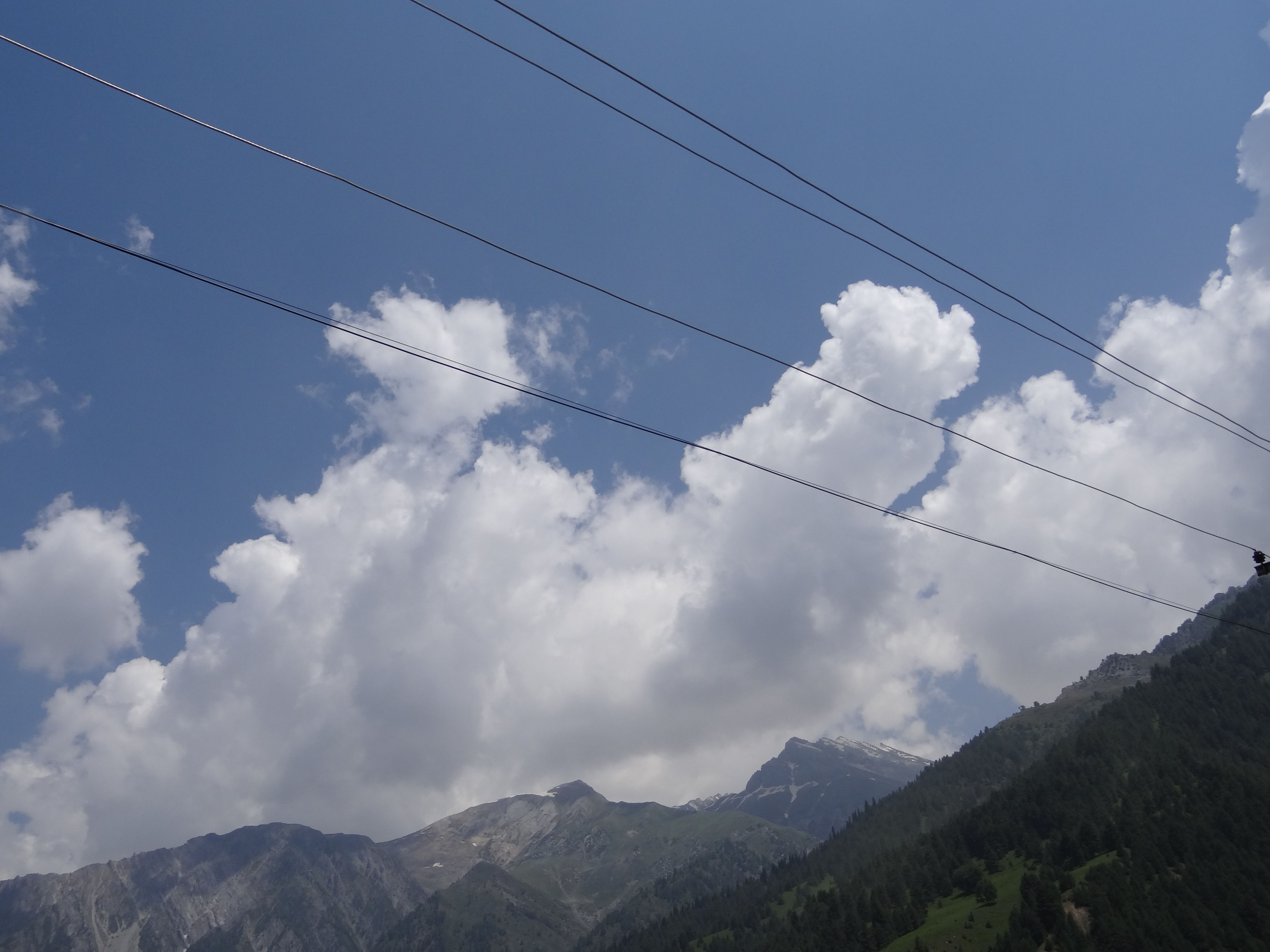fight between mountains and clouds